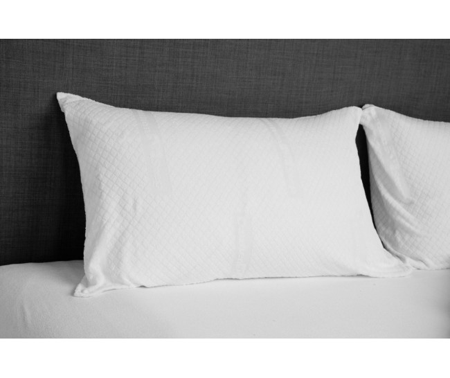 Pair of jacquard pillowcases